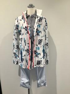 ジェシカさん ポロシャツの上に上着を羽織っただけですが、これだけでタウンユースできますね。